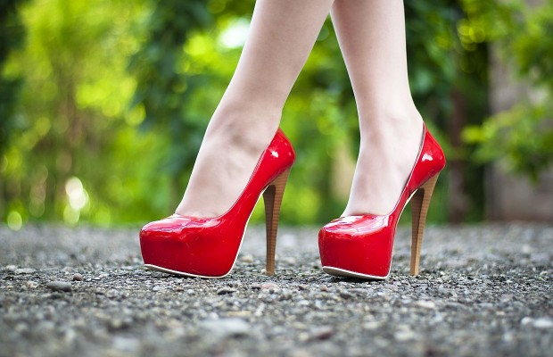 """Stiletto Whisperer"" Teaches Women To Walk In Heels"