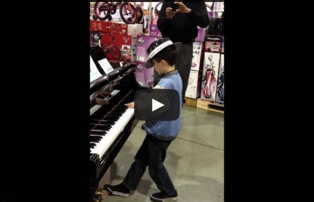 Little Boy Impresses Shoppers With His Piano Skills