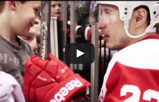 Hockey Player Makes Little Boy's Day